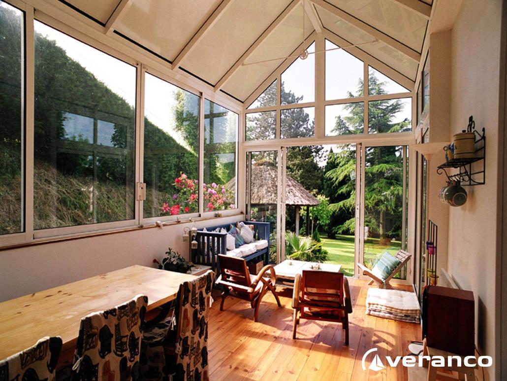veranda salon